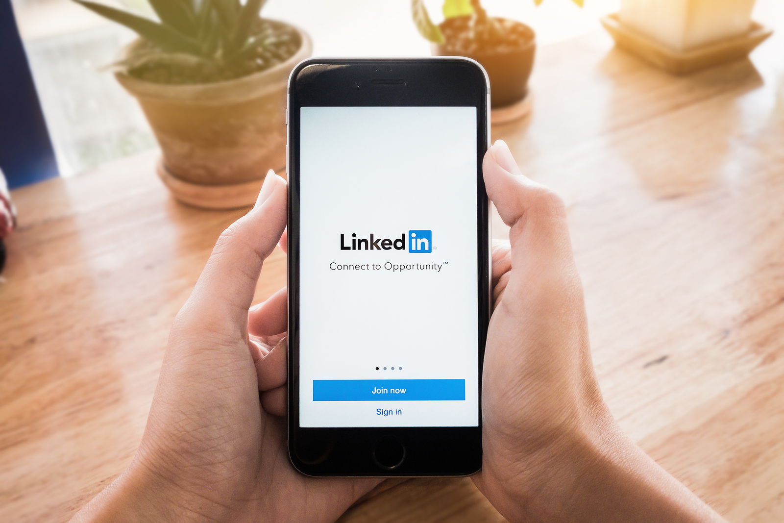How to Leverage LinkedIn Profile to Find Your Next Job